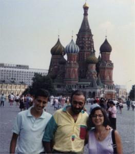 Mario e la sua famiglia nella Piazza Rossa a Mosca - 1989